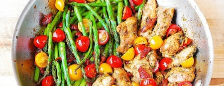 6 One-Pan-Pesto-Chicken-and-Veggies-752x289-min