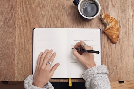 Keep a food journal to lose weight without exercise