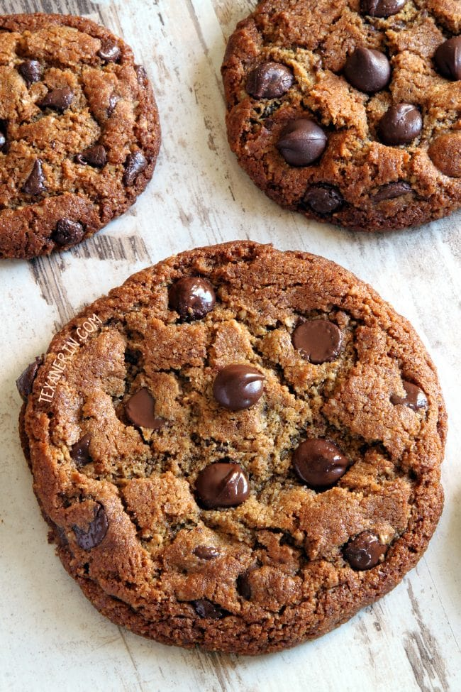 11 Paleo Peanut Butter Cookies (vegan option, dairy-free)