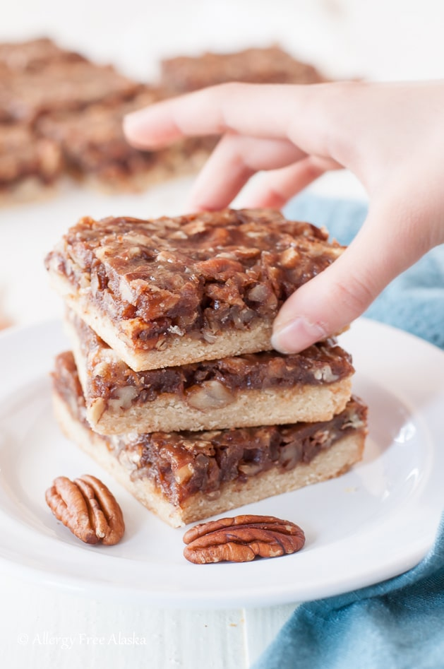 13 vegan-paleo-pecan-pie-bars-recipe best vegan holiday recipes