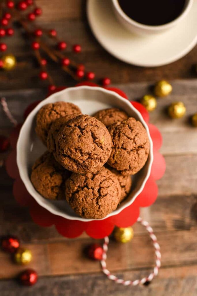 7 Paleo Almond Butter Ginger Cookies-min